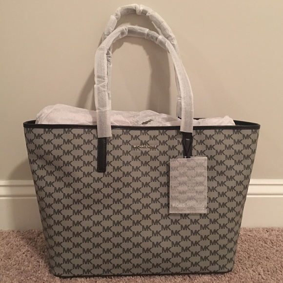 NWT Authentic Michael Kors Emry Large Logo Tote